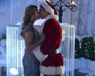 Pretty Little Liars: How the 'A' Stole Christmas