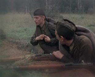 Sto Soldat I Dve Devushki