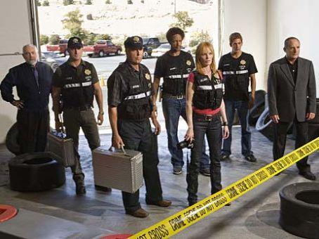CSI: Crime Scene Investigation : A La Cart