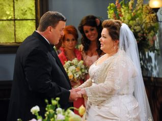 Mike & Molly: The Wedding