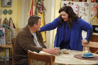Mike & Molly: The World According to Peggy