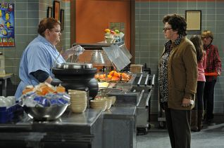 Mike & Molly: Peggy Gets a Job