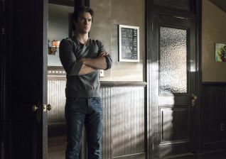 The Vampire Diaries: A Bird in a Gilded Cage