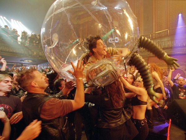 bubble boy 2001 blair hayes synopsis