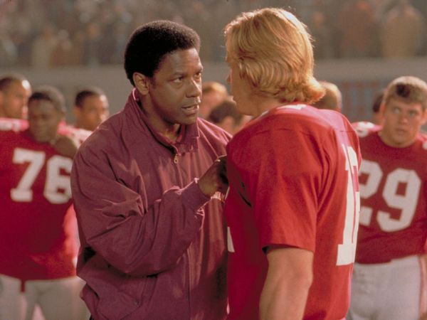 film review remember the titans 2000 Watch trailers, read customer and critic reviews, and buy remember the titans  directed by boaz yakin for $1799.
