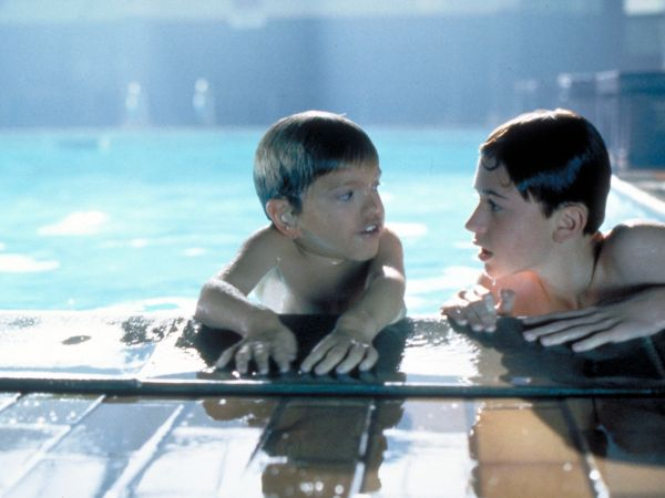 simon birch movie review Simon birch movie reviews & metacritic score: even though simon birch is the smallest kid in town, deep down he knows that he was born to do something big h.