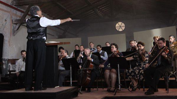 Orchestra of exiles 2012 josh aronson releases for Aronson associates