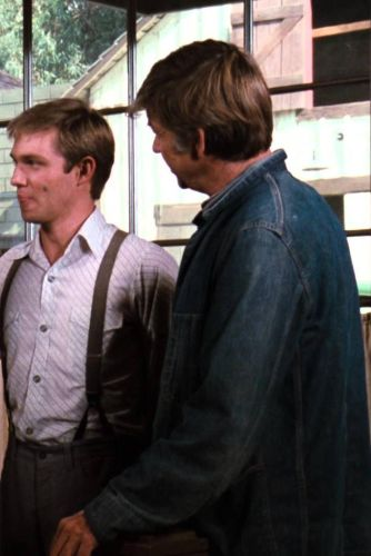 The Waltons The Intruders 1975 Richard Bennett Cast And Crew Allmovie Richard gilliland (born january 23, 1950) is an american television and movie actor. the waltons the intruders 1975