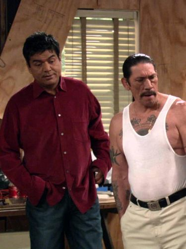 George Lopez : George's Extreme Makeover: Holmes Edition