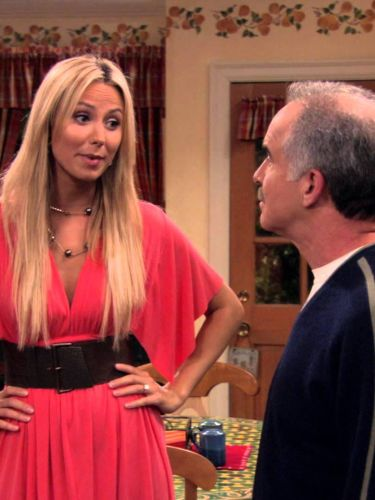 George Lopez : George Thinks Vic's Fiancee Is Lion About Being a Cheetah