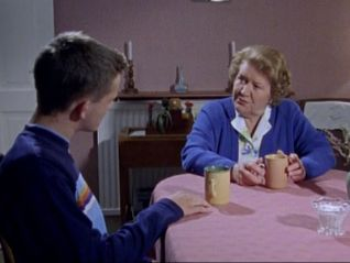 Hetty Wainthropp Investigates: Helping Hansi