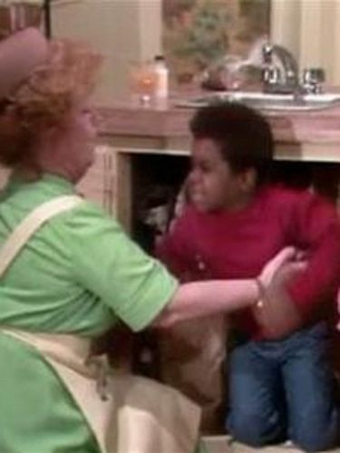Diff'rent Strokes : The Spanking