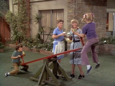 The Brady Bunch : The Teeter-Totter Caper