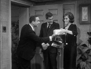 The Dick Van Dyke Show: Stretch Petrie vs. Kid Schenk