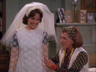 The Mary Tyler Moore Show: Rhoda's Sister Gets Married (1973)