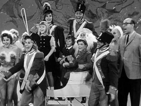 The Dick Van Dyke Show : The Alan Brady Show Presents