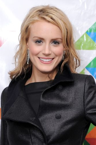 Taylor Schilling Biography Movie Highlights And Photos