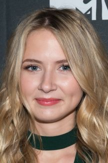 Eliza Bennett | Biography, Movie Highlights and Photos ...
