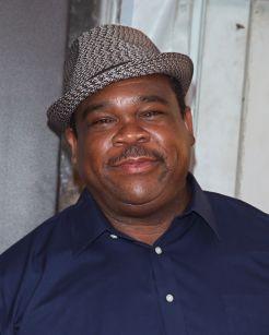 Leonard Earl Howze