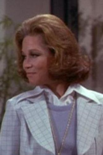 The Mary Tyler Moore Show : Mary Richards and the Incredible Plant Lady