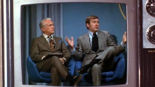 The Mary Tyler Moore Show : His Two Right Arms