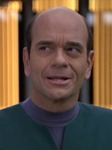 Star Trek: Voyager : Someone to Watch Over Me