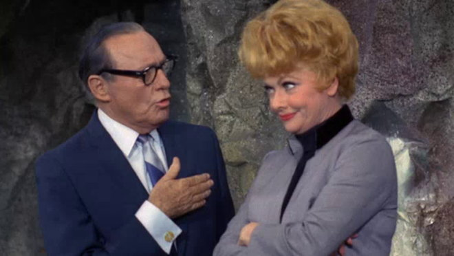 The Lucy Show: Lucy and Jack Benny's Account