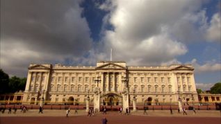 The Queen's Palaces: Buckingham Palace