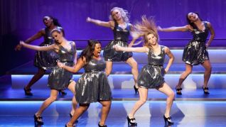 Glee: Hold On to Sixteen
