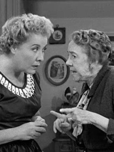 I Love Lucy : Too Many Crooks