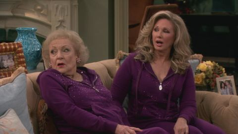 Hot in Cleveland : Playmates