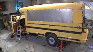 Monster Garage: Pontoon Bus