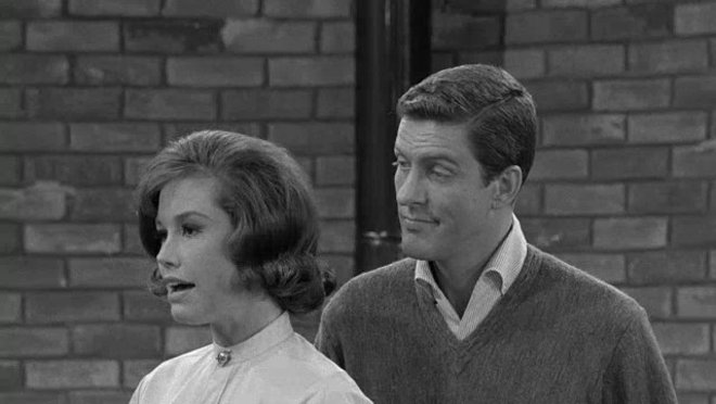 The Dick Van Dyke Show: Give Me Your Walls!