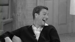 The Dick Van Dyke Show: Punch Thy Neighbor
