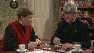 Father Ted : Entertaining Father Stone