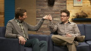 Comedy Bang! Bang!: Seth Rogen Wears A Plaid Shirt & Brown Pants