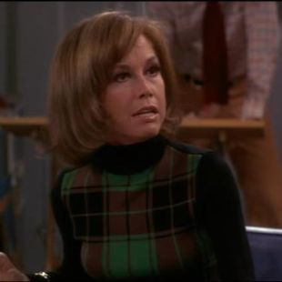 The Mary Tyler Moore Show : Better Late...That's a Pun...Than Never