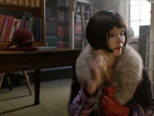 Miss Fisher's Murder Mysteries: Raisins and Almonds