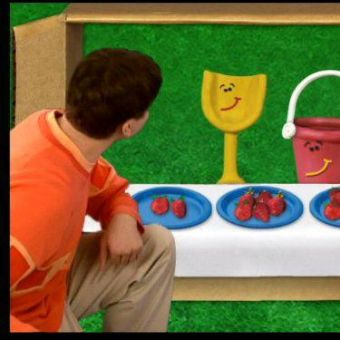 Blue's Clues : Playing Store
