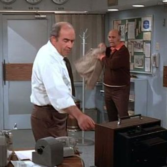 The Mary Tyler Moore Show : Two Wrongs Don't Make a Writer