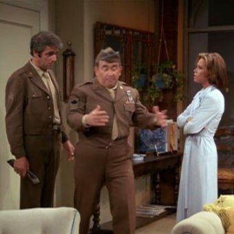 The Mary Tyler Moore Show : Lou's Army Reunion