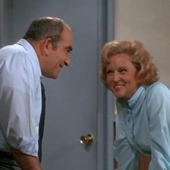 The Mary Tyler Moore Show : What Are Friends For?