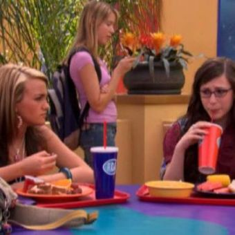 Zoey 101 : Fake Roommate