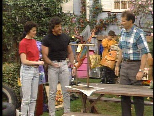 Married... With Children: Yard Sale