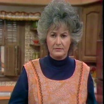 Maude : Arthur Moves In