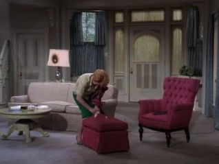 The Lucy Show: Lucy Decides to Redecorate