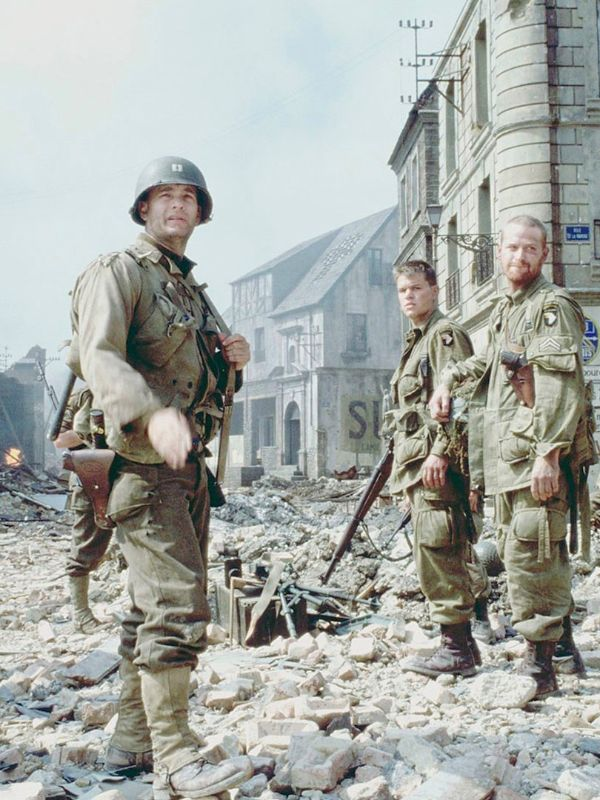 a review on the movie saving private ryan directed by steven spielberg in 1998 Detailed review of the film saving private ryan (1998), aka private ryan, directed by steven spielberg, and starring tom hanks, tom sizemore, edward burns.