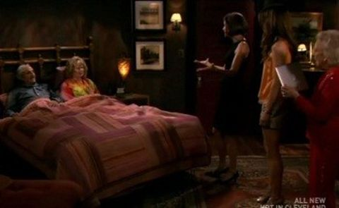 Hot in Cleveland : Meet the Parents