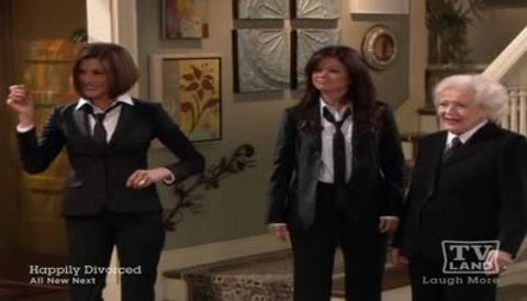 Hot in Cleveland : Battle of the Bands