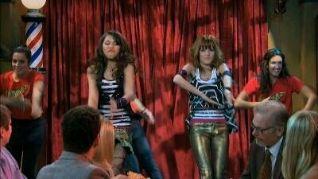 Shake It Up!: Three's a Crowd It Up
